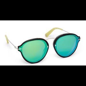 Henri Bendel Lily Round Sunglasses NWT